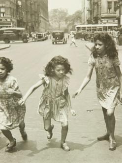 four girls running