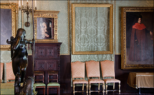 An empty frame in the Dutch Room of the Gardner Museum, where Rembrandt's The Storm on the Sea of Galilee and A Lady and Gentleman in Black once hung. (courtesy FBI)