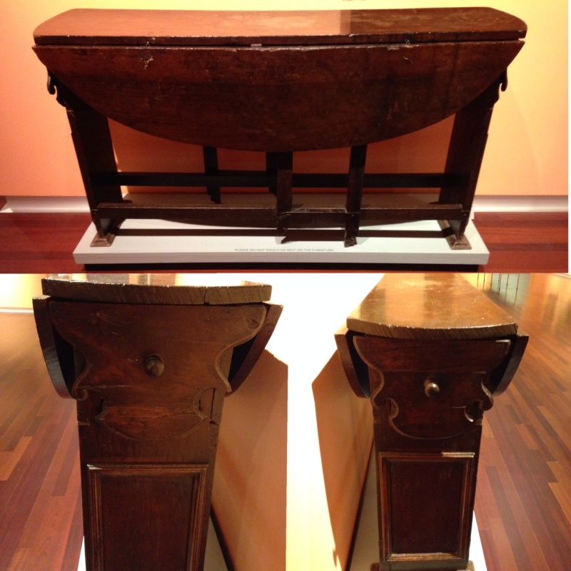 Drop leaf table. 17th century.